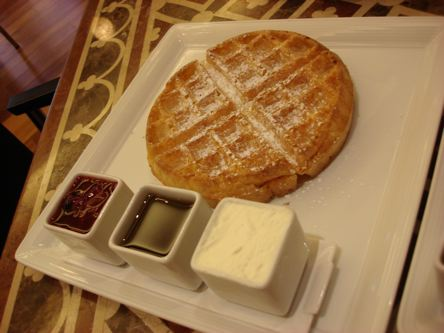 belgian vaffle za dorucak u Delightsu u nasem hotelu