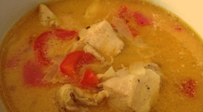Pikantna pileća curry juha